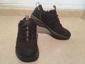 Women's Merrell Vibram Hiking Shoes Size 8 London Ontario image 3
