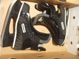 different size  supreme  ice skate,7472,4832