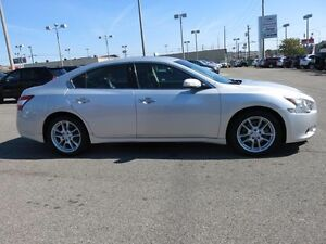 2010 MAXIMA SV 3.5 IN IMMACULATE CONDITION $13,999
