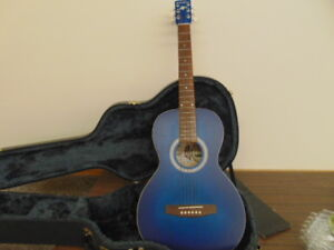 ART LUTHERIE GUITAR WITH CASE LIKE NEW BLUE