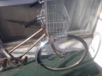 VINTAGE Women's bike with basket and bell - for city cruising!