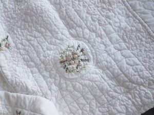 QUEENSIZE COTTON BEDSPREAD