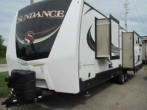 2016 SUNDANCE 322RES-LOADED-YOU MUST SEE THIS RV! EASY TRADES!