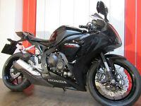 Honda CBR1000RR 999.8cc Fireblade (Black Special) Supersport 2016M Fireblade