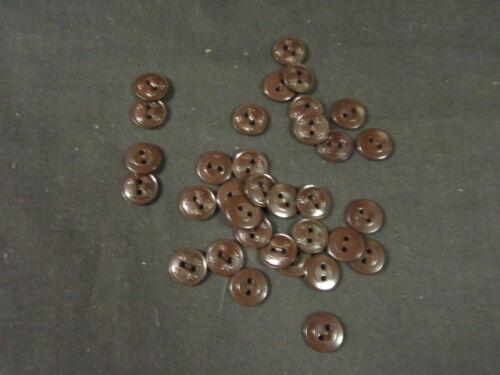 Boy Scout Plastic Uniform Buttons, Fluer-de-lis Design, Lot of 33   c37