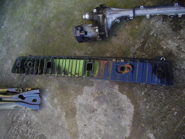 04- 09 Volvo S40 rear bumper metal reinforcer bar GENUINE READ ADVERT CAREFULLY