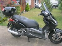 YAMAHA YP 250 R XMAX SCOOTER-2007 MODEL-1 LADY OWNER-SUPERB CONDITION- MOTed