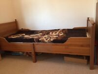 Single wooden kids bed + mattress (both extendable to 3 different sizes)