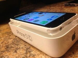 WHITE Apple iPhone 5C 8 GB - TELUS / KOODO