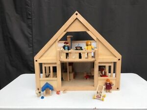 Plan Dollhouse with accessories