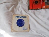 Vinyl 7inch 45 Side 1 Tell Me Girl / Side 2 Juliet – The Four Pennies (UK) Philips BF 1322 1964