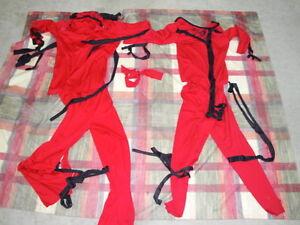 2 costumes de Ninja (enfants 5 à 8 ans environ)
