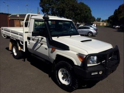 2010 Toyota Landcruiser VDJ79R 09 Upgrade Workmate (4x4) 5 Speed Manual Cab Chassis