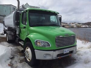 2006 Fuel delivery truck