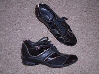 Geox women's black shoes size 4,5-post it
