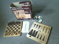 CHESS BACKGAMMON CHINESE CHECKERS TIC TAC TOE CHECKERS