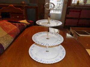 Présentoir à gâteaux Royal Albert - fine porcelaine D'Angleterre