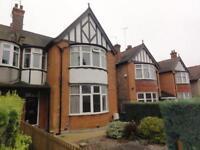 4 bedroom house in Wickliffe Avenue, Finchley, N3