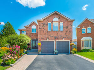 Meticulously Renovated 4 Br 4 Wr Home in Pickering