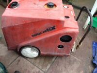 Warwick hot and cold diesel commercial pressure washer