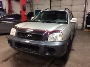 2004 HYUNDAI SANTA FE 4CYL, MANUAL 5 SPD, LEATHER SEATS,BEST BUY