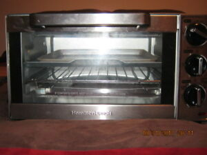 TOASTER OVEN....used only once,,,don't need it,,,like new.....