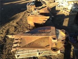 Backhoe frost buckets