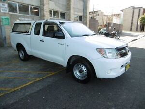 2007 Toyota Hilux GGN15R 07 Upgrade SR White 5 Speed Automatic Extracab Yagoona Bankstown Area Preview