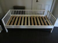 "Ikea white children's bed ""Gulliver"" - 70 x 160cm. Very good condition, modern classic!"