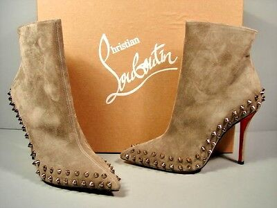 Louboutin 35.5/5 Willetta Taupe Suede point toe spikes ankle boots booties New
