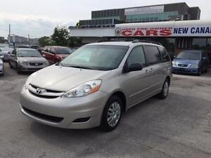 2007 Toyota Sienna LE - Immaculate Condition