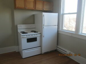 Apt in West End, $750, 1BR + hydro, electric heat (K623)