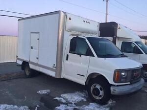 98 GMC Sierra 12' Cube Van