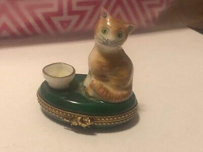 Limoges France Peint Main Trinket Box Tabby Cat Milk Tea Cup Vintage Mouse Clasp