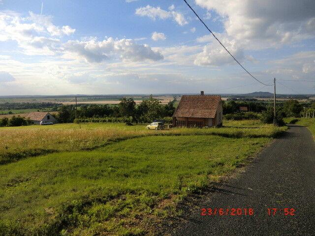 Weinberghaus mit Panoramablick in Ungarn im Thermalort Borgata