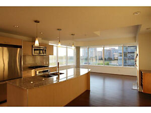 Executive Corner Unit in Century Park: Upgraded & Move in Ready