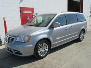 2015 Chrysler Town & Country Touring ~ 102,000kms ~ $17,990