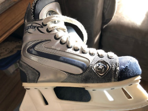 Patins Sherwood Raptor junior ( grandeur 5 homme)