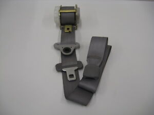 2003 Honda Odyssey Seatbelt / Interia Reel - Middle Right Seat