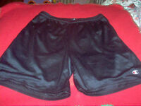 Men's 4 pairs of shorts [2 are new but been washed] size M $3