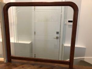 Rampe d'escalier d'intérieur en merisier et verre