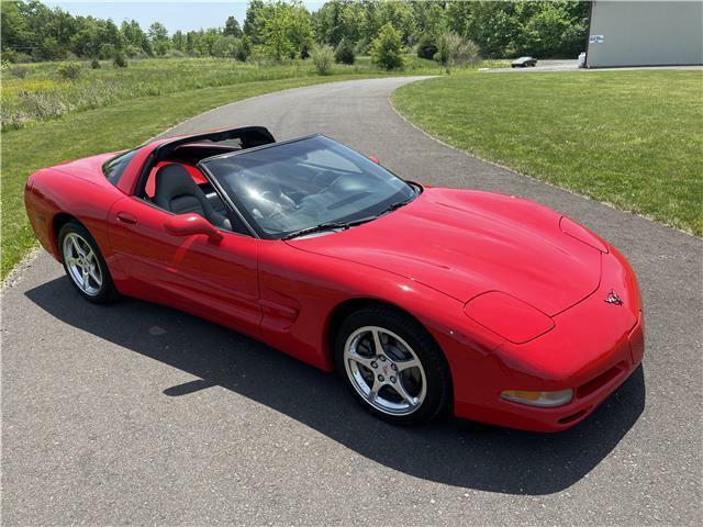 2000 Red Chevrolet Corvette Coupe  | C5 Corvette Photo 1