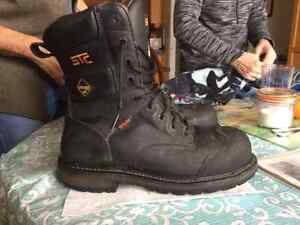 Size 10.5 STC Gore-tex Mens Work Boot