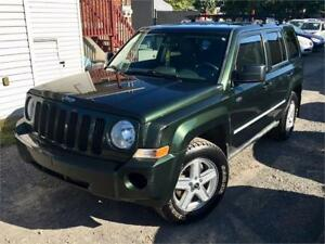 2010 Jeep Patriot 4X4 North **95,000km** Manuelle / A/C / MAGS !