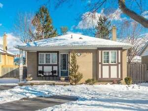 A LITTLE GEM TO CALL YOUR OWN! 3 BED DETACHED BUNGALOW IN AJAX!