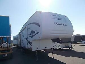 2005 Chaparal 277DS fifth wheel with rear living