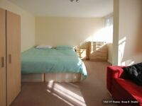 Looking for a double room near Ilford? Huge double room near central line station, CALL NOW!