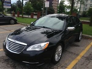 **STOP**2013 Chrysler 200**Limited**Mint Condition*
