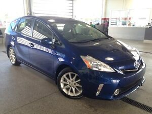 2012 Toyota PRIUS V 5dr Wagon- Only 23KM! Leather and Backup Cam