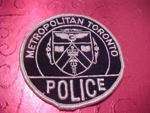 METROPOLITAN TORONTO CANADA POLICE PATCH SHOULDER SIZE UNUSED 3 1/2 INCH